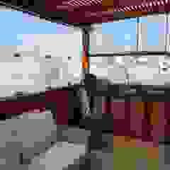 TERRAZA_W Balcones y terrazas rústicos de WeisCoello Arquitectos Rústico