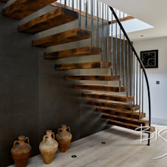 7411 - Flamed Character Oak من Bisca Staircases ريفي الحديد / الصلب
