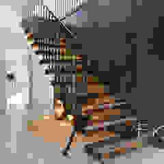 7411 - Flamed Character Oak od Bisca Staircases Rustykalny Żelazo/Stal