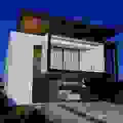 Projeto Casa Moderna FC - fachada Moderna por Gelker Ribeiro Arquitetura   Arquiteto Rio de Janeiro Moderno Derivados de madeira Transparente