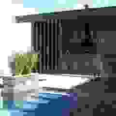 Casa KL por Lara Arquitetura Moderno Madeira Efeito de madeira