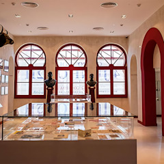 Museu do Campo Pequeno Centros de exposições modernos por Margarida Bugarim Interiores Moderno
