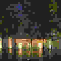 توسط HW Studio Arquitectos مینیمالیستیک چوب Wood effect