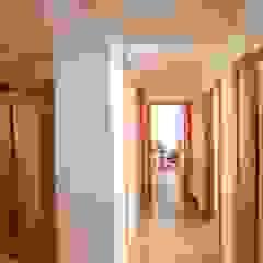 Apartamento T3 Algés - Lisboa Corredores, halls e escadas clássicos por EU LISBOA Clássico