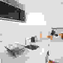 Apartamento T1 Misericordia - Lisboa Cozinhas clássicas por EU LISBOA Clássico