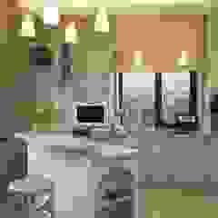 Mediterrane Küchen von Irina Yakushina Mediterran Holz Holznachbildung