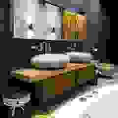 Tropische Badezimmer von Irina Yakushina Tropisch