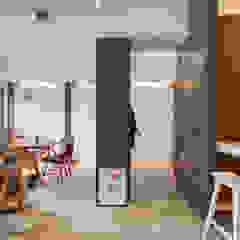 Asian style corridor, hallway & stairs by 邑舍室內裝修設計工程有限公司 Asian