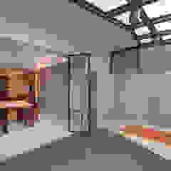 Scandinavian style garage/shed by 邑舍室內裝修設計工程有限公司 Scandinavian