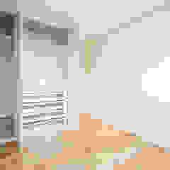 T3 em Leça da Palmeira, Matosinhos (rés-do-chão) – SHI Studio Interior Design por SHI Studio, Sheila Moura Azevedo Interior Design Moderno