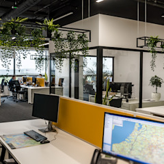 1500 m2 biurowca Marathon – projekt wnętrz siedziby firmy logistycznej od SZARA / studio Nowoczesny