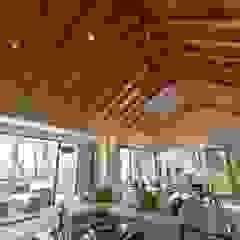 by Fabiana Ordoqui Arquitectura y Diseño. Rosario | Funes |Roldán Modern Solid Wood Multicolored
