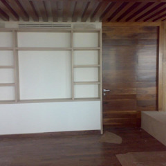 di Solución en Carpinteria Minimalista Legno Effetto legno