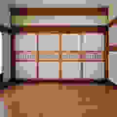 합천이씨종가 - 전통한옥 아시아스타일 거실 by 성종합건축사사무소 한옥