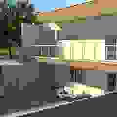 Residencia estilo clássico em Gaia por PROJETARQ Clássico Cerâmica