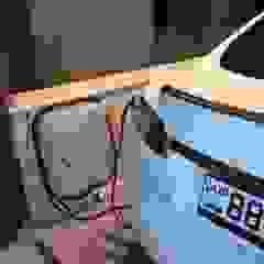 Garasi Gaya Industrial Oleh وفا للخدمات الكهربائية المتخصصة Industrial