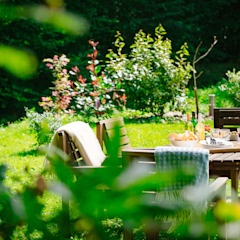 Mill Barn, Cardinham Country style garden by Perfect Stays Country