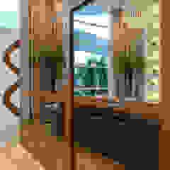 Casa Paulínia Corredores, halls e escadas modernos por Designer de Interiores e Paisagista Iara Kílaris Moderno