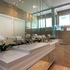 Casa Paulínia Banheiros modernos por Designer de Interiores e Paisagista Iara Kílaris Moderno