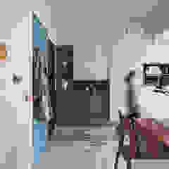 Scandinavian style corridor, hallway& stairs by 知域設計 Scandinavian