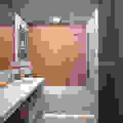 Геометрия/Geometry Ванная комната в стиле минимализм от ekovaleva.prodesign Минимализм
