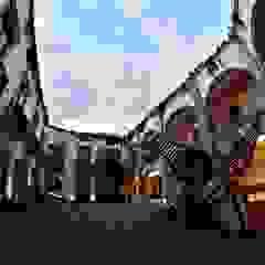 식민지스타일 복도, 현관 & 계단 by FM ARQUITECTOS 콜로니얼 (Colonial) 돌