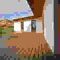 de GUILLEM CARRERA arquitecte Escandinavo Madera Acabado en madera