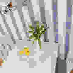 Projekt inspirowany stylem Hampton Śródziemnomorska jadalnia od ZAWICKA-ID Projektowanie wnętrz Śródziemnomorski