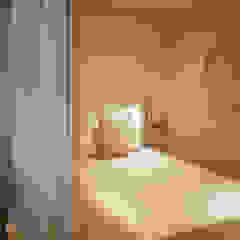 Quando uma sala se transforma em sala e quarto por Tangerinas e Pêssegos - Design de Interiores & Decoração no Porto Escandinavo