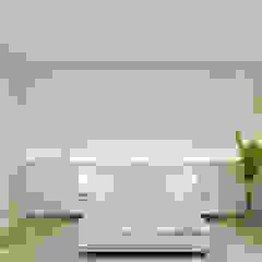 Cuartos de estilo minimalista de Wide Design Group Minimalista