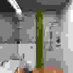 Baños de estilo minimalista de Wide Design Group Minimalista