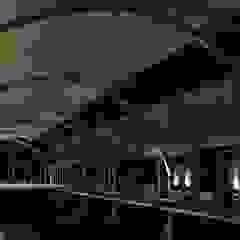 por MRH Arquitectos Industrial Ferro/Aço
