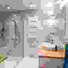 Metamorfoza mieszkania Klasyczna łazienka od Perfect Space Klasyczny