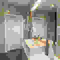 W angielskim stylu Kolonialna łazienka od Perfect Space Kolonialny