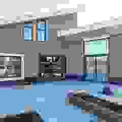 Luxe levensloopbestendige woning Moderne balkons, veranda's en terrassen van Erik Knippers Architect Modern Tegels