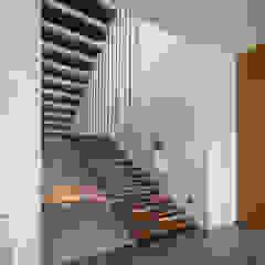 IL House Oleh Rakta Studio Modern