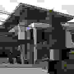 Q-House Oleh CV Berkat Estetika Tropis Beton Bertulang