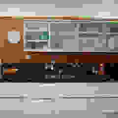 Apartamento DVC Cozinhas clássicas por Viviane Cunha Arquitectura Clássico