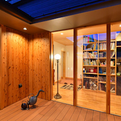 من 木の家株式会社 حداثي خشب Wood effect