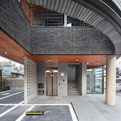 Garagens e edículas modernas por 바이제로 Moderno
