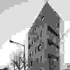 Casas modernas por 바이제로 Moderno