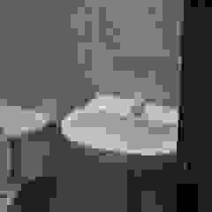 Minimalist bathroom by ME&CLA Ingeniería y Arquitectura Minimalist
