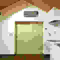 de 一級建築士事務所 感共ラボの森 Asiático Madera Acabado en madera