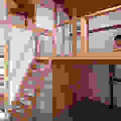 por 一級建築士事務所 感共ラボの森 Campestre Madeira Efeito de madeira