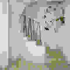 Wnętrza szeregówki w Warszawie od Nevi Studio Industrialny
