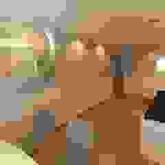 Consultório Pediátrico Estádios modernos por Luciana Ribeiro Arquiteta Moderno
