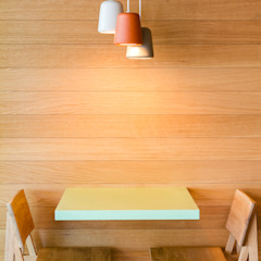 Bars & clubs scandinaves par Piedra Papel Tijera Interiorismo Scandinave
