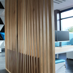 Aménagement open-space Espaces de bureaux modernes par Tiphaine PENNEC Moderne Bois Effet bois