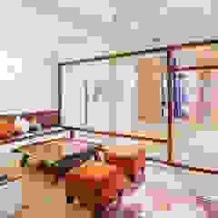 Reforma interior de un local para yoga en Barcelona Salones de eventos de estilo mediterráneo de LaBoqueria Taller d'Arquitectura i Disseny Industrial Mediterráneo