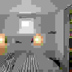 Branch 北欧スタイルの 寝室 の エム・アンド・オー 北欧